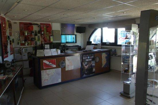 Aiguablava dive center: Tienda