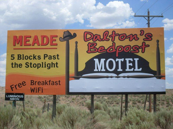 Daltons Bedpost Motel: Welcome!