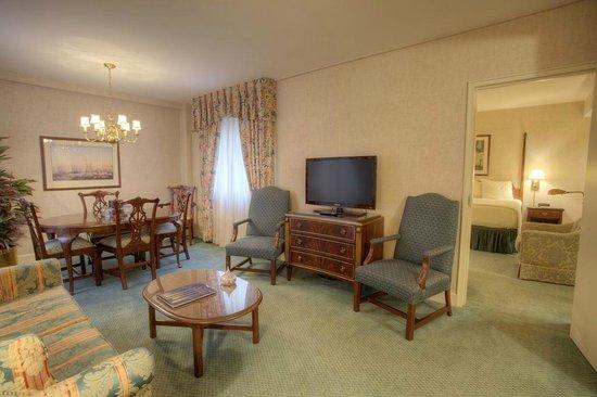 Bell Tower Hotel: Atrium Suite