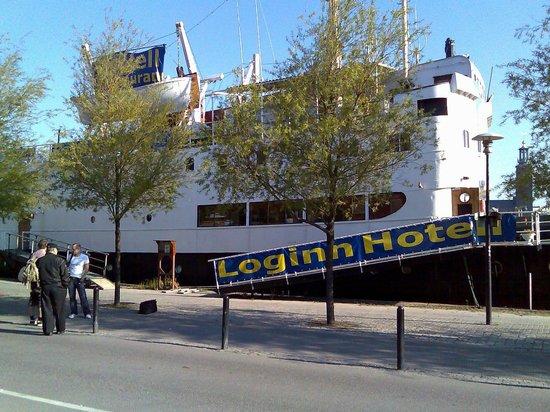 Loginn Hotel: Udenfor hotellet