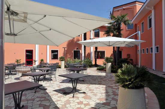 Hotel Veronello: garden