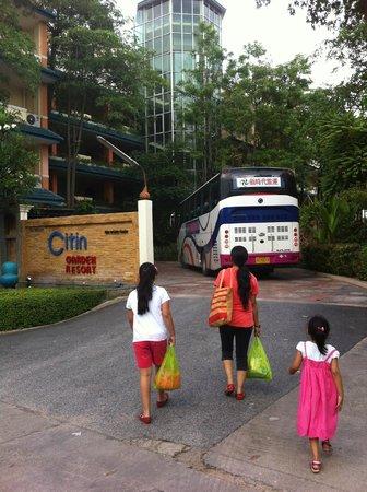 Citin Garden Resort by Compass Hospitality: Entrance