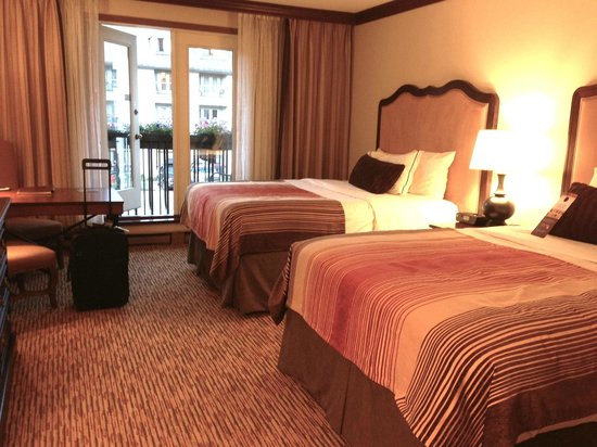Hotel Talisa, Vail: Our bedroom with 2 Queen size beds