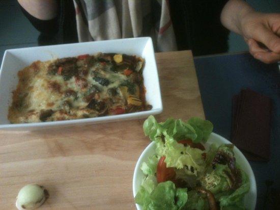 O.Ju ex Au: lasagne de legume et sa salade fraicheur