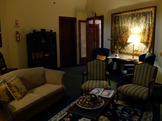호텔 아베니아