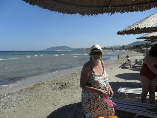 St. Thomas Bed and Breakfast: Janet aan het strand 19-6-13