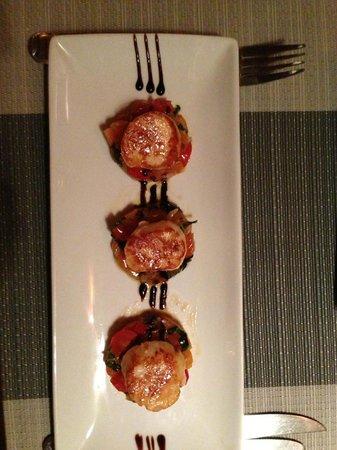 Barracuda Restaurant: tortellini fatti in casa di aragosta e salmone con una tomyam vellutata