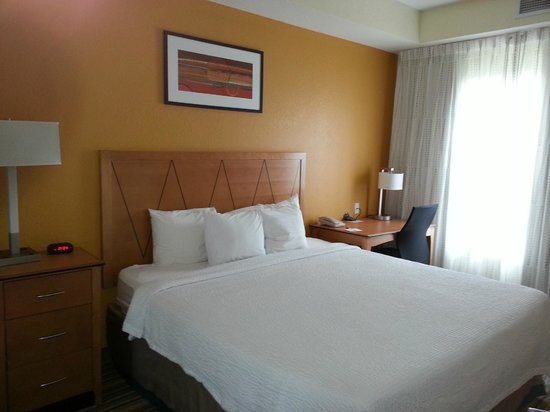 Residence Inn Cape Canaveral Cocoa Beach: King Bed Room 1