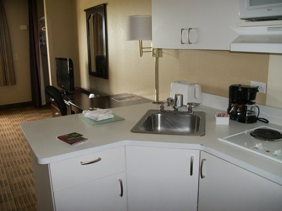 Extended Stay America - Chicago - Elmhurst - O'Hare : Kitchenette