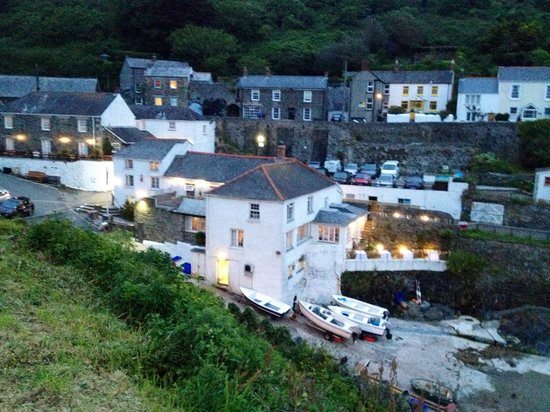The Lugger Hotel: The lugger at night