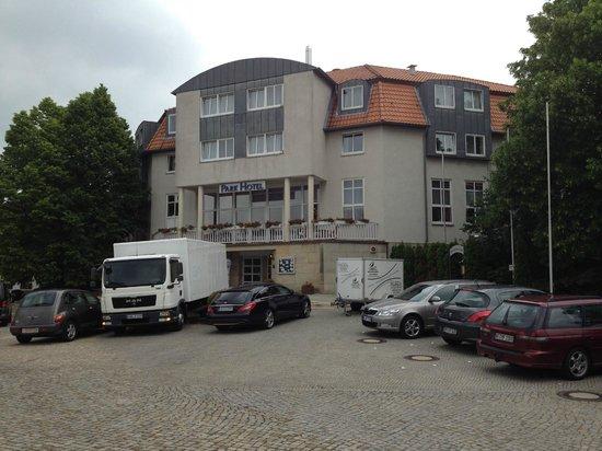 Parkhotel Altes Kaffeehaus: Вход