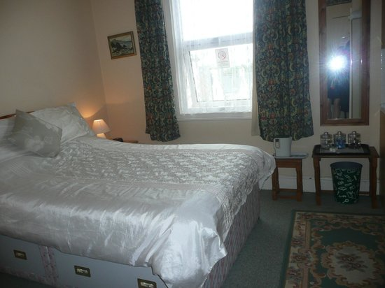 Seaforth Hotel: Room 8 - Family