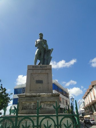 National Heroes Square: Lord Admiral Nelson statue - not popular now