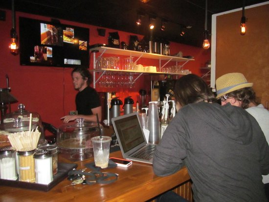 Mount Dora Coffee House : Chill, work, enjoy some romance, or hang with friends