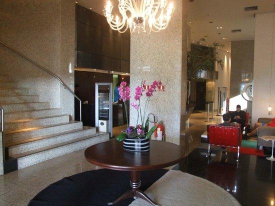 Comfort Suites Brasilia: Hall