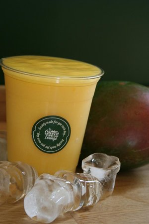The Coffee Lounge: The Mango Magic, thirst quenching smoothie action!