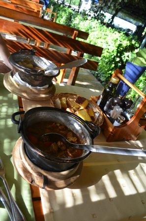 Nacionalni Restoran Mercur: Mukolica!! (Spicy Goulash)