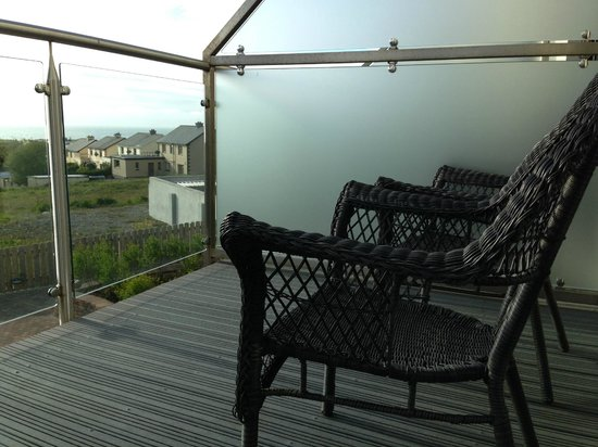 Strandhill Lodge and Suites Hotel : Room 206 Balcony