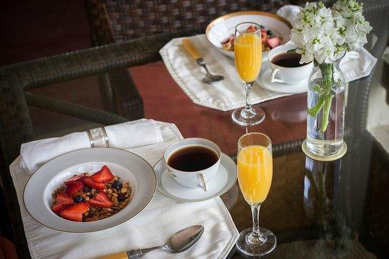 The Craftsman Inn : Indulge in our Gourmet Breakfast