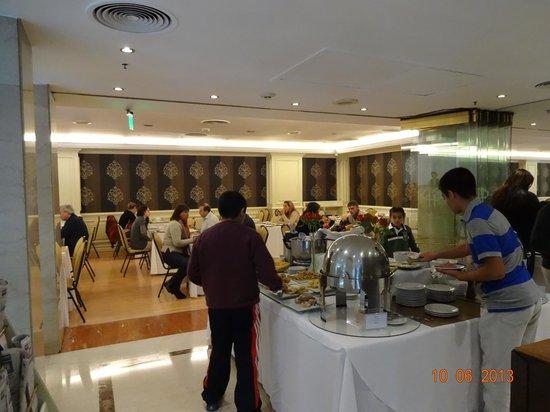 Amerian Buenos Aires Park Hotel: Café da manhã