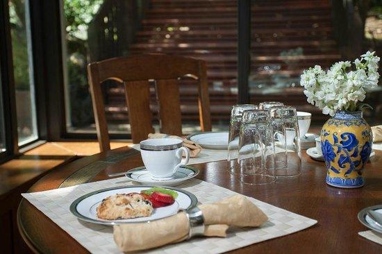 Wine Way Inn: Enjoy a full breakfast each morning