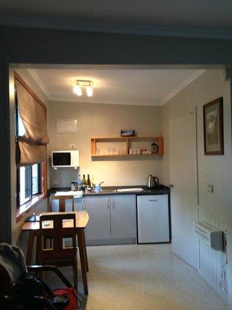 Templenoe Cottages: Kitchen area
