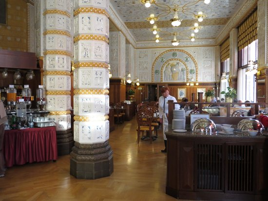 Art Deco Hotel Imperial: Restaurant