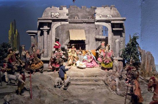 Oberammergau Museum : 「キリストの誕生」の中世風の人形とコスチュームで展示されている