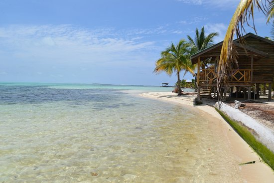 Isla Marisol Resort: Private beach front cabanas with ensuite bath, hot & cold fresh water, 24-hr electricity, and A/