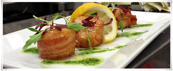 That Place : MAPLE GLAZE BACON WRAPPED SCALLOPS