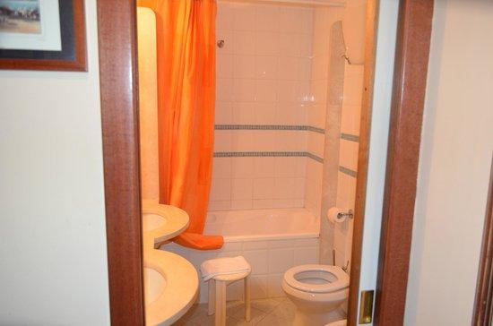 Hotel San Paolo : bagno con lavandino doppio