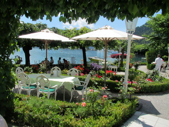 See Esplanade : Just enjoy cup of tea with piano playing under the canopy of the Grand Hotel