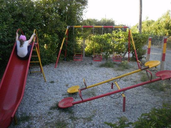 Zorba's Family Restaurant : safe little play area