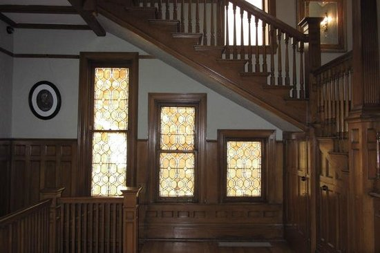 Patterson Inn: Entry hall
