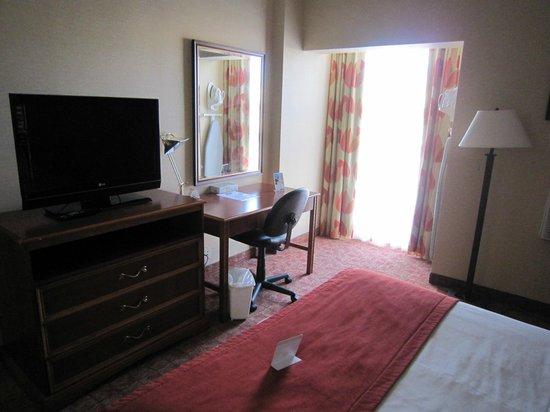 Knights Inn Toronto Scarborough: Zimmer