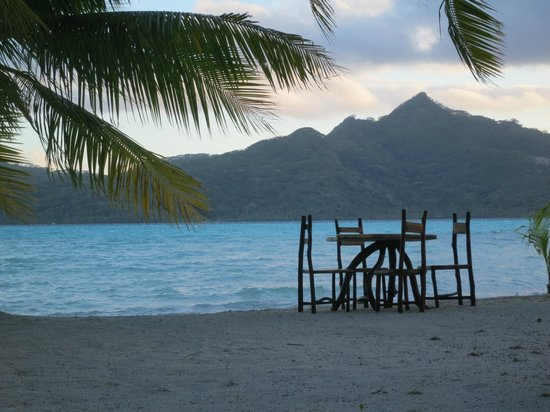 Vahine Island Resort: Dining with a view