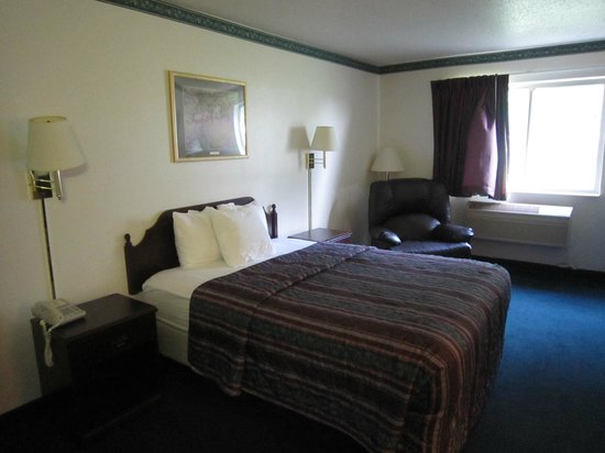 Days Inn Toledo Airport: Zimmer