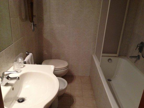 Hotel Mennini: bathroom