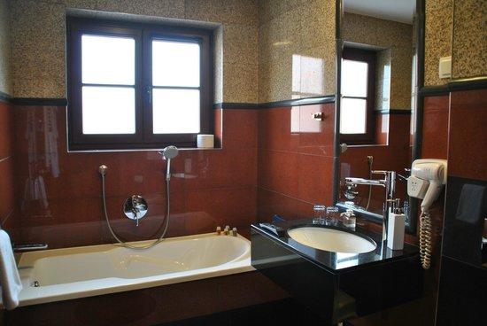 Solaris Hotel: elegancka łazienka