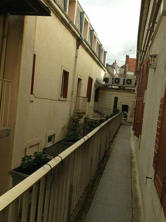 Hotel Montchapet : palier extérieur