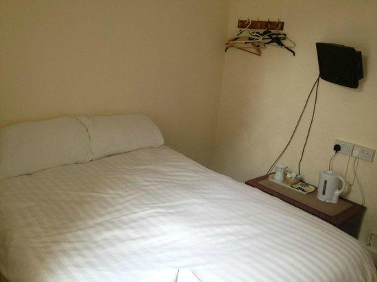 Merrydale: Ensuite Double Room