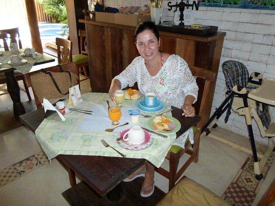 Pousada Rosa dos Ventos: café da manhã delicioso