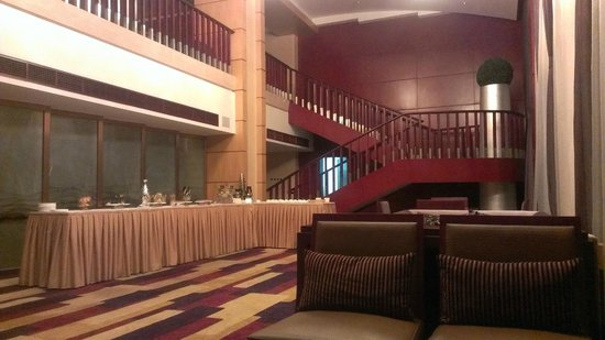 Overseas Chinese Hotel : Executive Lounge on 12th Floor