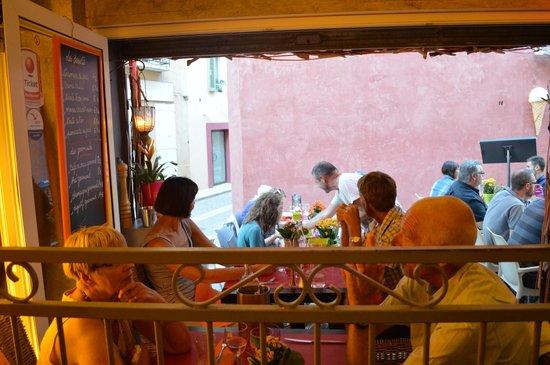 Le Passage : Very ambient little restaurant.