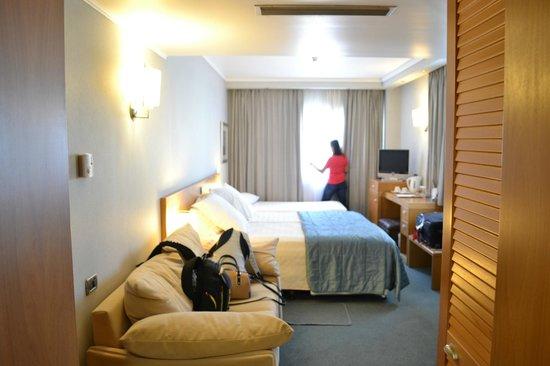 The Athenian Callirhoe Exclusive Hotel: camas grandes