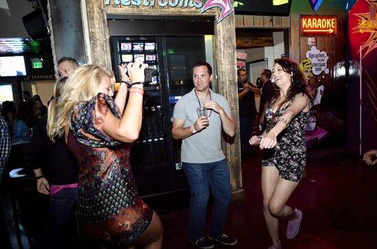San Diego Pub Crawler: Dancing on every crawl.