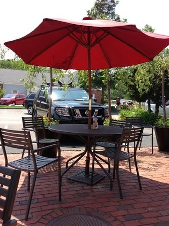Cafe Chew: Comfortable cafe tables for outdoor dining.