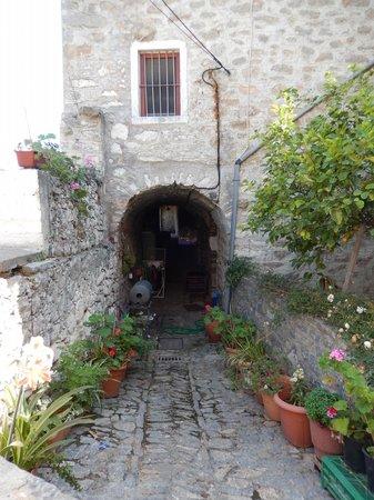 Masticulture: street in Mesta