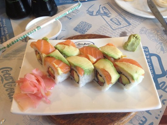 Ocean Basket: Rainbow rolls