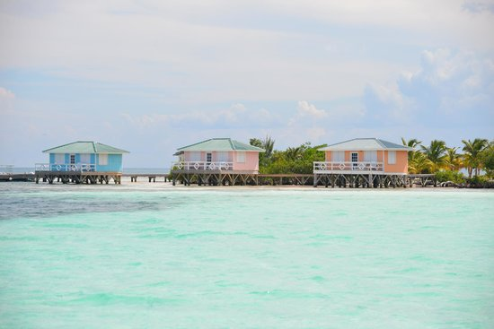 Fantasy Island Eco Resort : over the water bungalow's